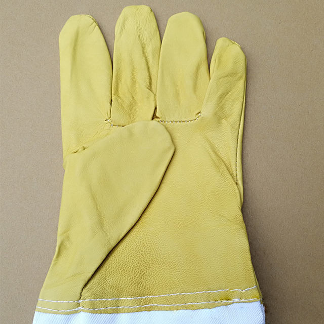 Wholesale Sheepskin gloves beekeeping protective tools anti-bee and stings protective gloves