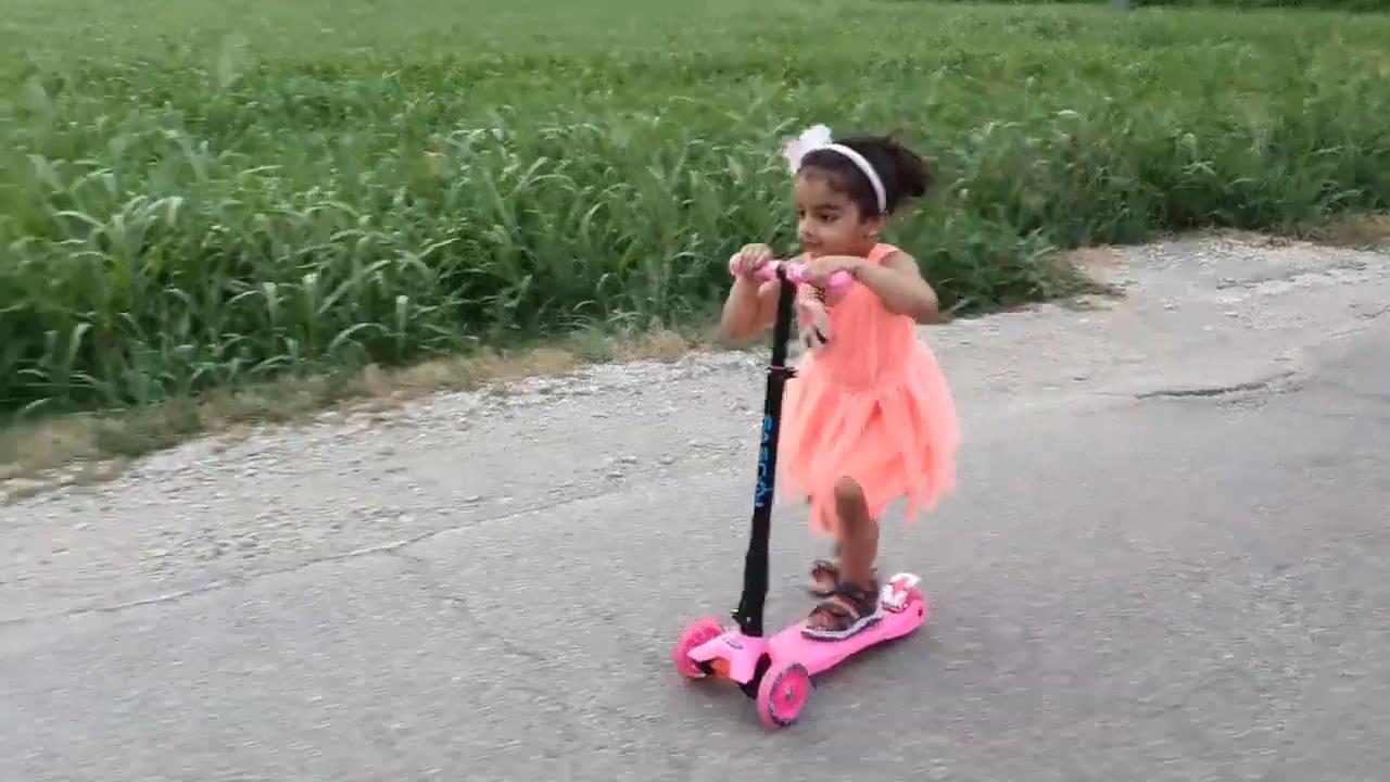 New design kids 3 wheel Adjustable folding kick foot scooter
