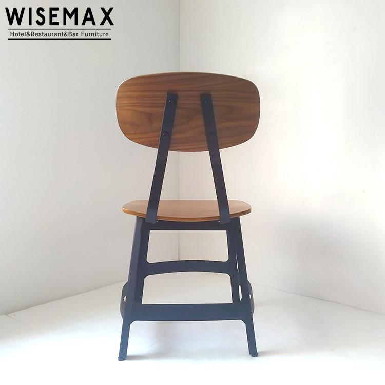 Heißer Analsex Auf Einem Stuhl