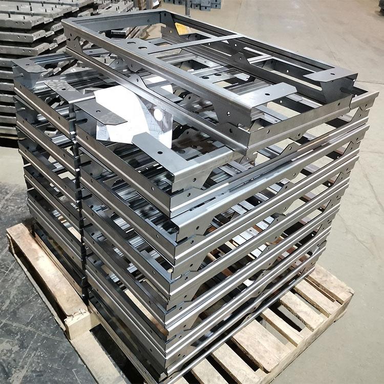 カスタマイズされた金属プレス部品工場 OEM アルミステンレス鋼鉄刻印シート金属部分