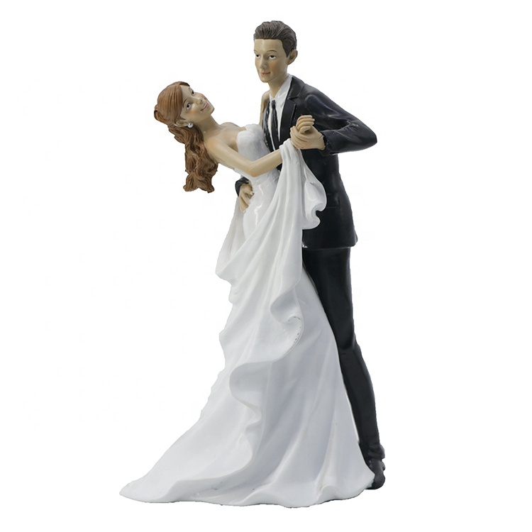 Custom design couple souvenirs wedding cake topper figurines, resin valentine dancing couple figurines*