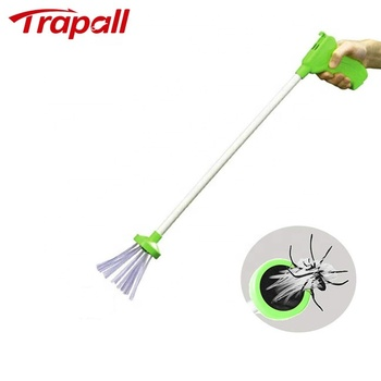 Long Handle Critter Spider Catcher Reptile Crawl Insect Bug Pest Control Grabber