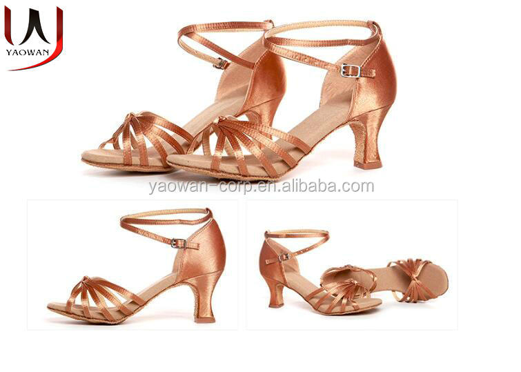 Factory wholesale Latin dance shoes women ballroom performance salsa dance shoe ladies Latin shoe