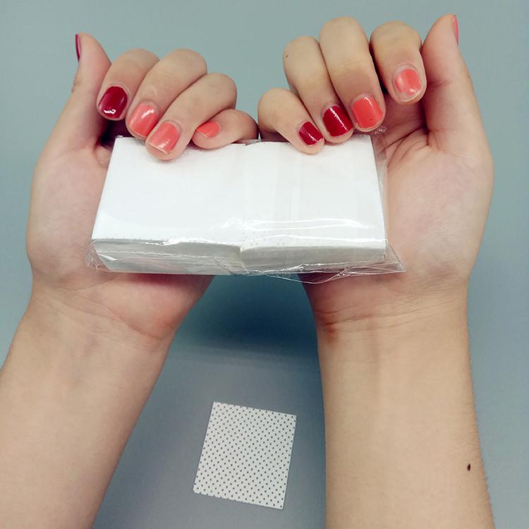 Одноразовые 100% PP безворсовые нетканые промышленные 80gsm 5x5 см инструменты для дизайна ногтей сухие салфетки для снятия лака