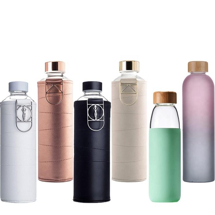 BPA Gratis Leak Proof Borosilikat Kaca Besar Botol Air dengan Faux Kulit Lengan dan Logo