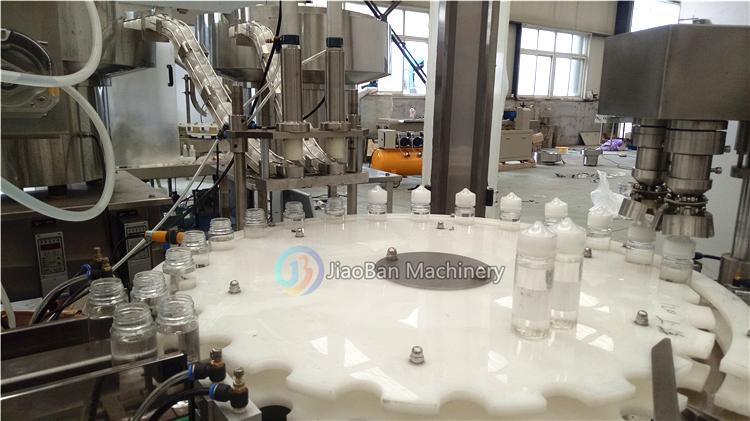 Автоматическая небольшие бутылки/стеклянные капельницы жидкостная машина КБР масло или лак для ногтей наполнение укупорки машина 10 мл до 30 мл