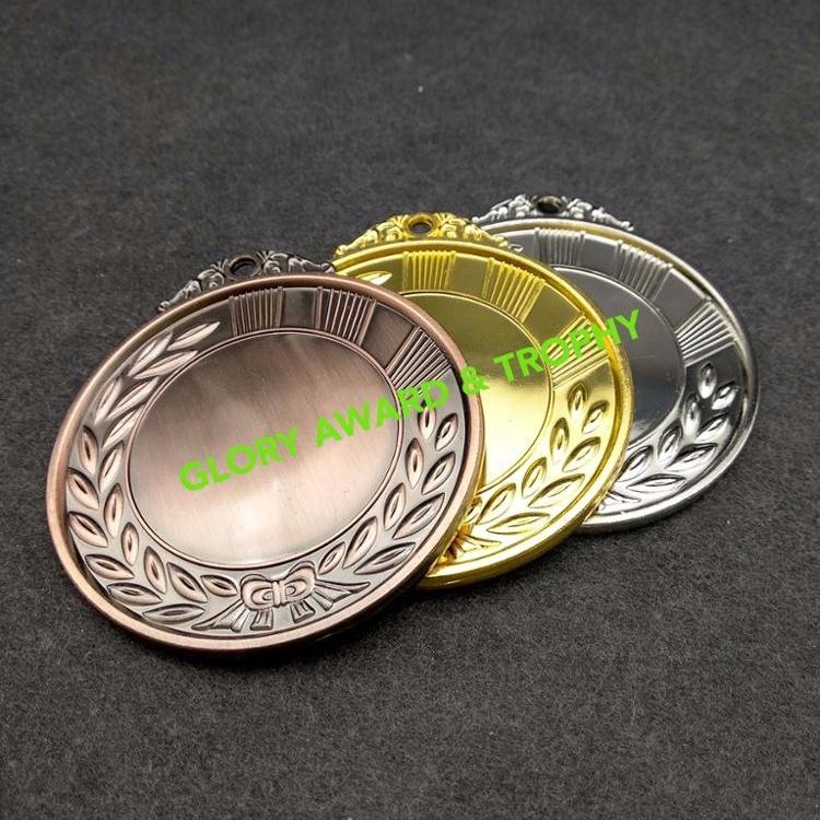 Latest Design Blank Bulk Sport Golden Silver Bronze Zinc Alloy Badge Metal Award Medal for export