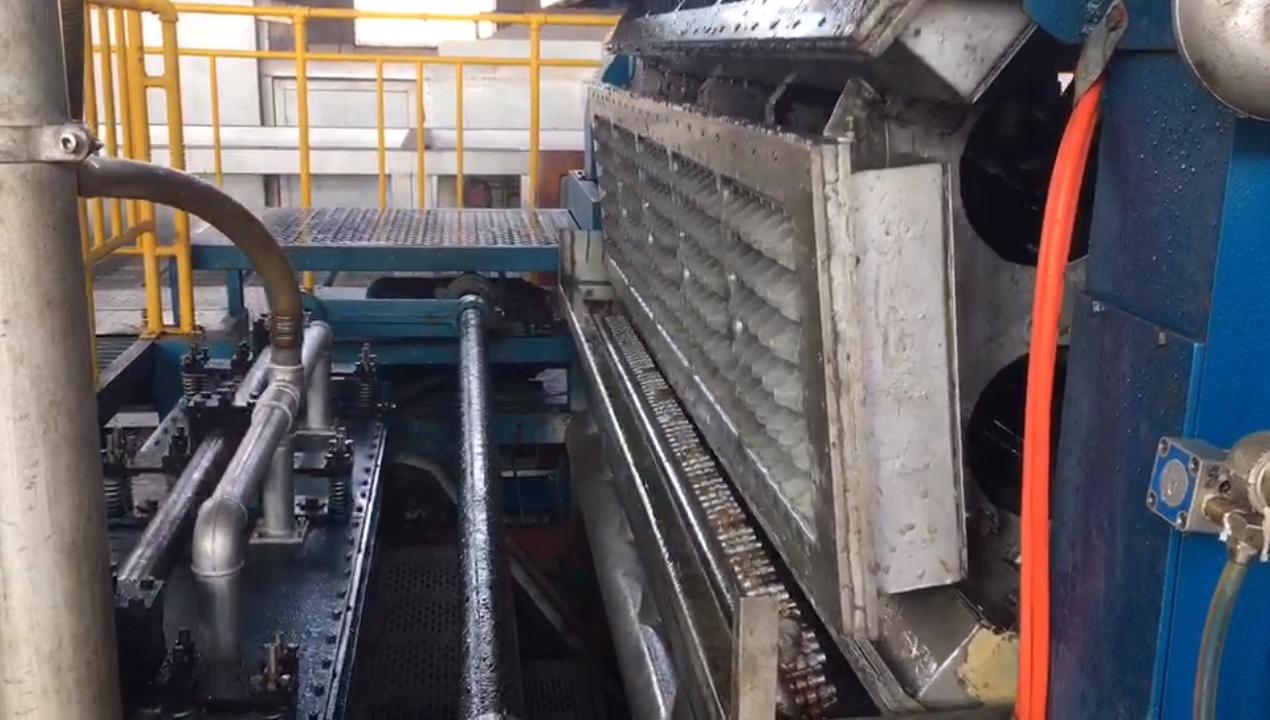 Riciclaggio dei rifiuti di carta linea di produzione del vassoio di uovo che fa la macchina