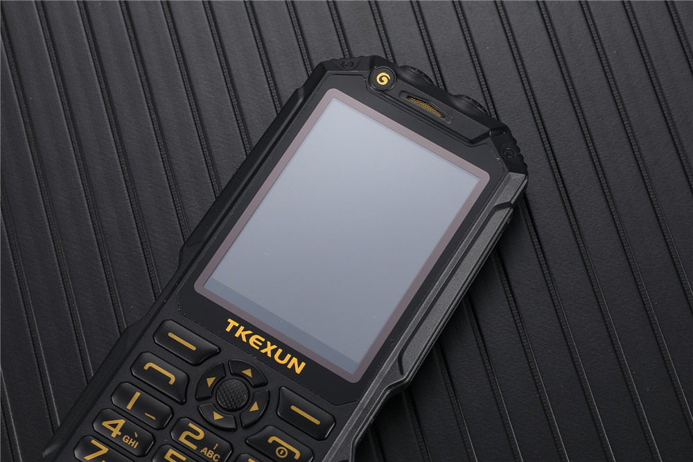 2020 hot wholesale China Factory Senior Feature Mobile Phone big keypad original mobile phones