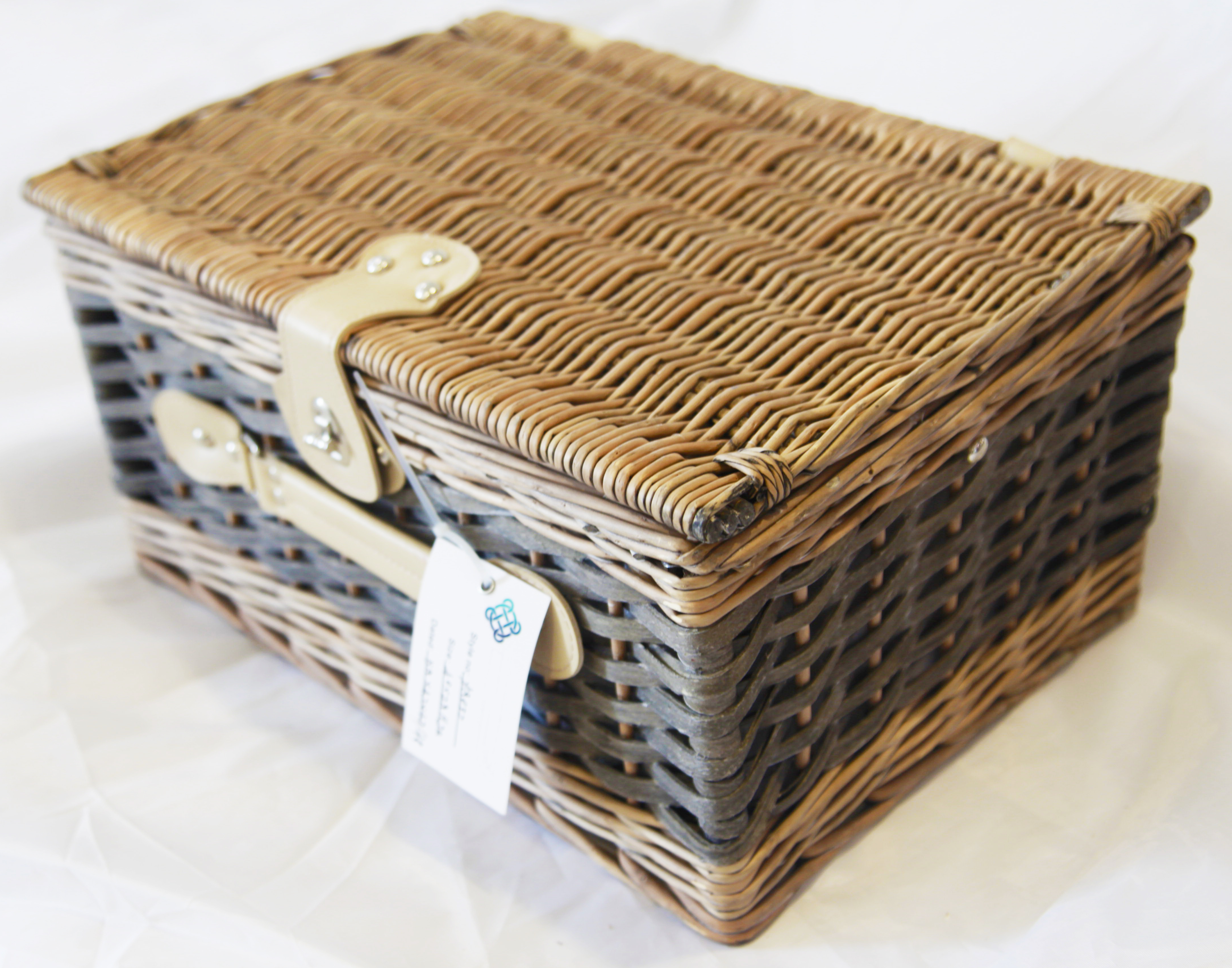 Gift willow basket food wicker picnic basket set with ice bag wholesale