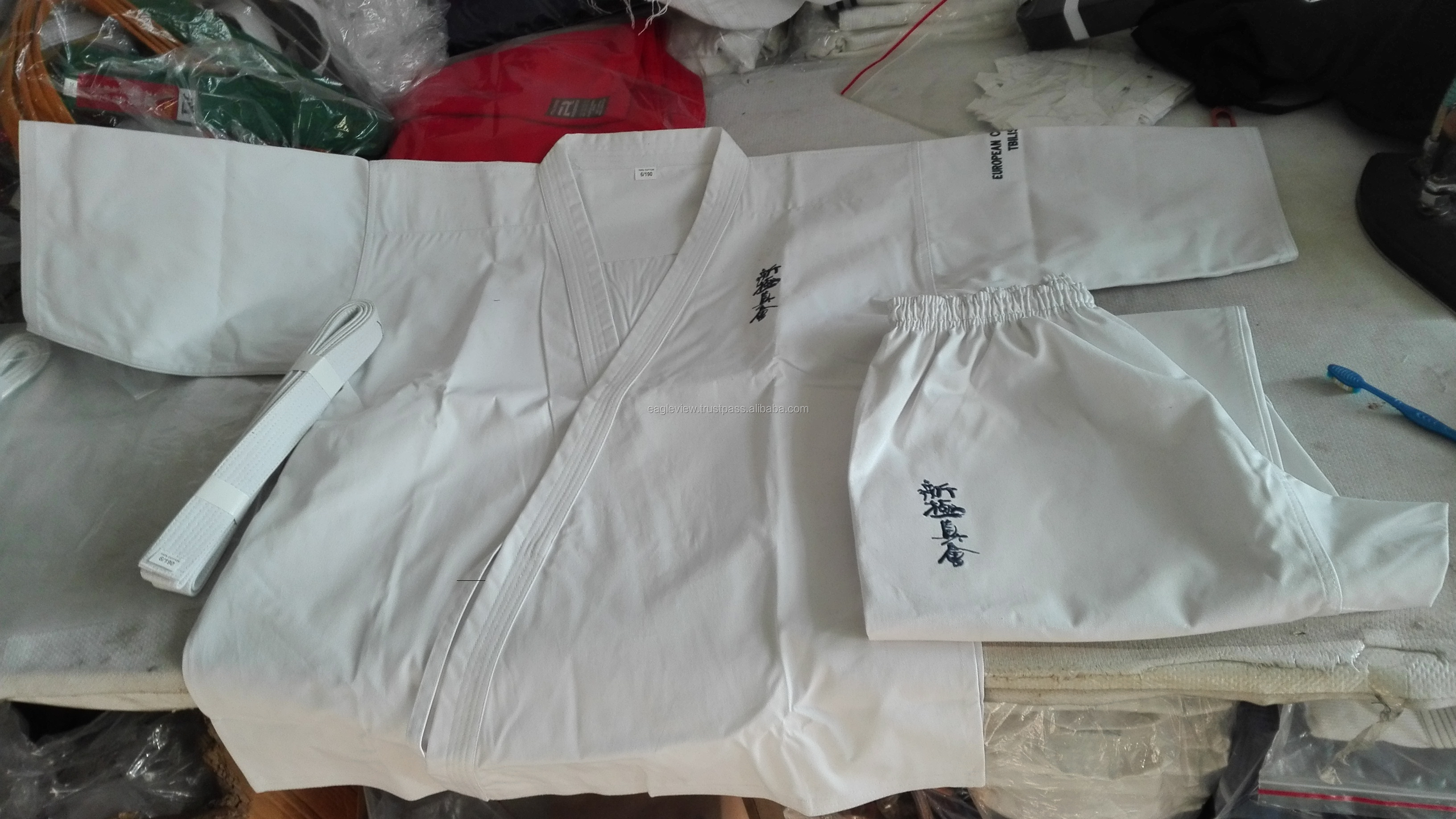 WHITE CHEAP STUDENT KARATE UNIFORM MADE OF POLY COTTON 8 OZ  / MARTIAL ARTS TRAINING SUITS WITH BELT