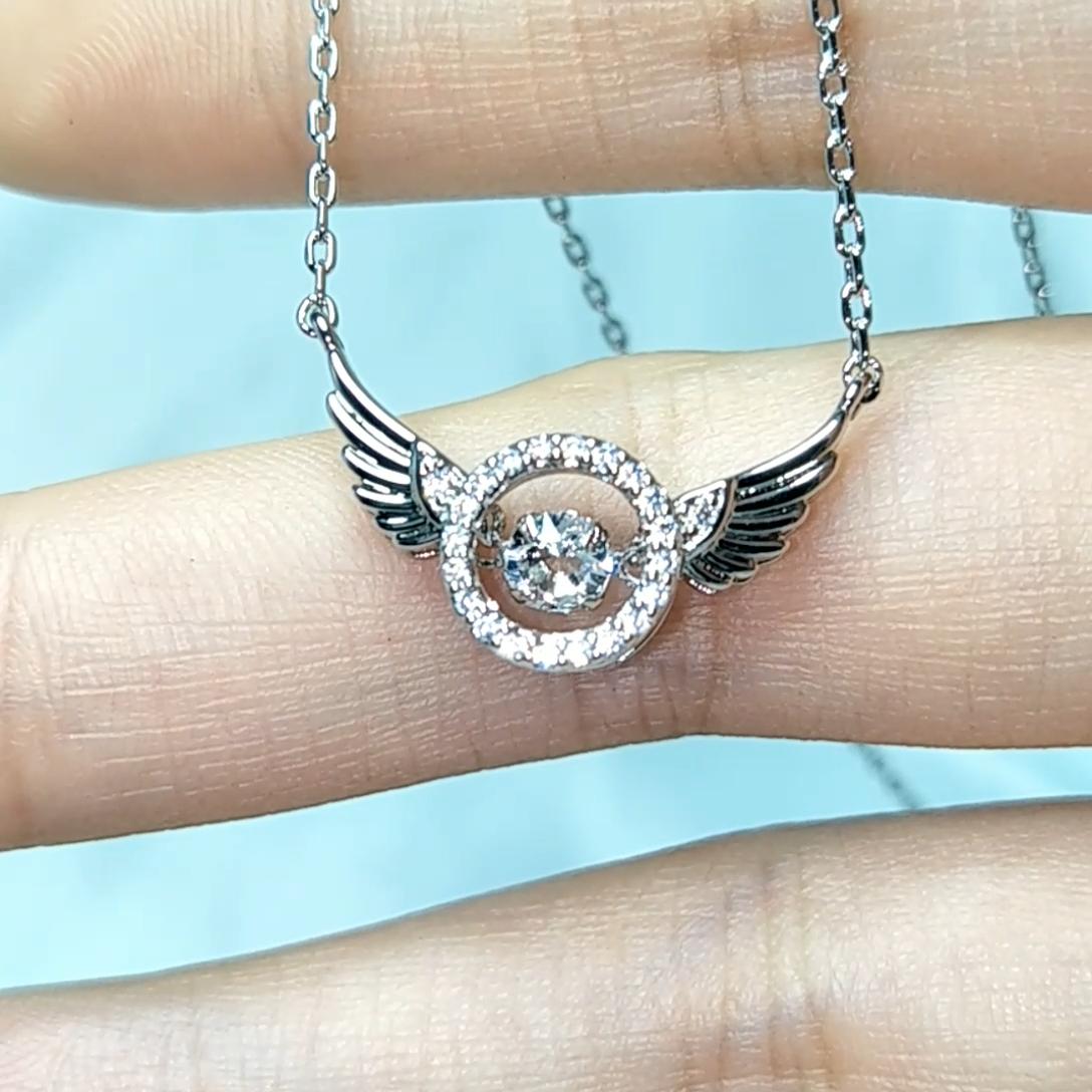 Bijoux fantaisie Nouvelle Mode Danse Swarovski Collier Pendentif Aile D'ange En Cristal