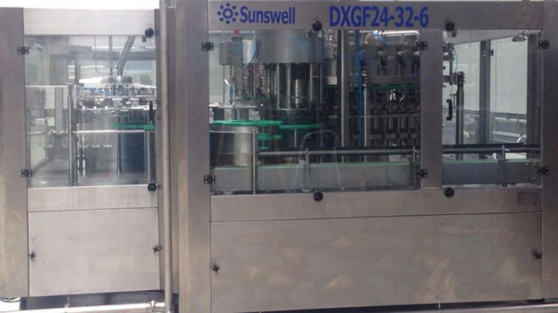 A-Z Turnkey Koolzuurhoudende Sap Drank Wasmachine Vullen Afdekken 3-In-1 Monoblock Bottelen Machine