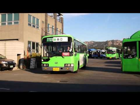 Seoul Metropolitan Bus Route 7723 bus Super Aero City) leaving the Jingwan Bus Garage