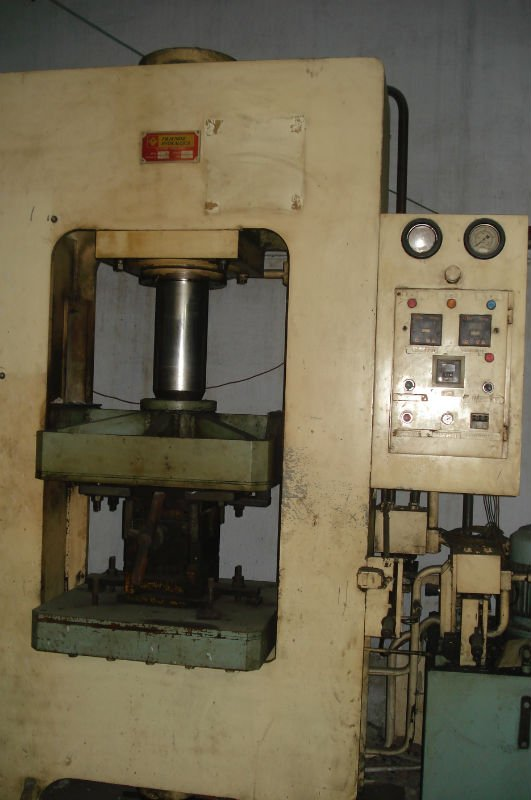 Hydraulic Press 150 Tons Compression & Transfer Moulding
