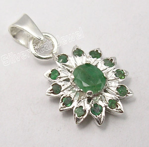 .925 Pure Silver Sparkling FACETED EMERALD MULTISTONE Pendant 2.3 CM ART JEWELRY