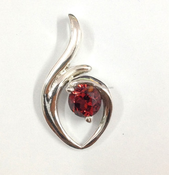 925 Sterling Silver Jewelry Red Quartz Gemstone New Design Pendant