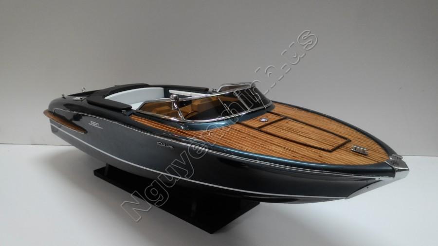 riva iseo 87 cm en bois maquettes de bateaux vendre mod le de bateau de vitesse artisanat. Black Bedroom Furniture Sets. Home Design Ideas
