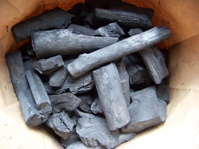 Hardwood Lump Charcoal For BBQ, Grills, Smokers, Kamados