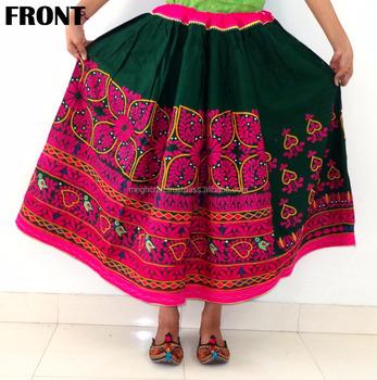 ea9c36117 Década Falda bordada a mano de Kutch tribal espejo trabajo-india  tradicional bordado falda vintage