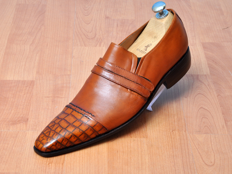 Handmade mens leather moccasins, Mens formal brown slip-on leather shoes