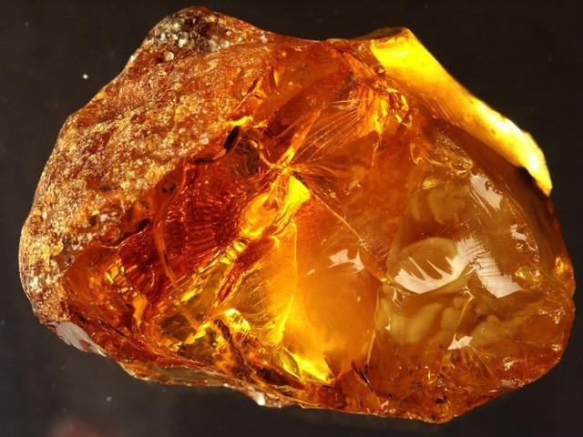 Ukrainian Raw Amber Stone - Buy Raw Amber Stone Product on Alibaba.com