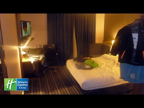 Holiday Inn Express Windsor Hotel Room Tour