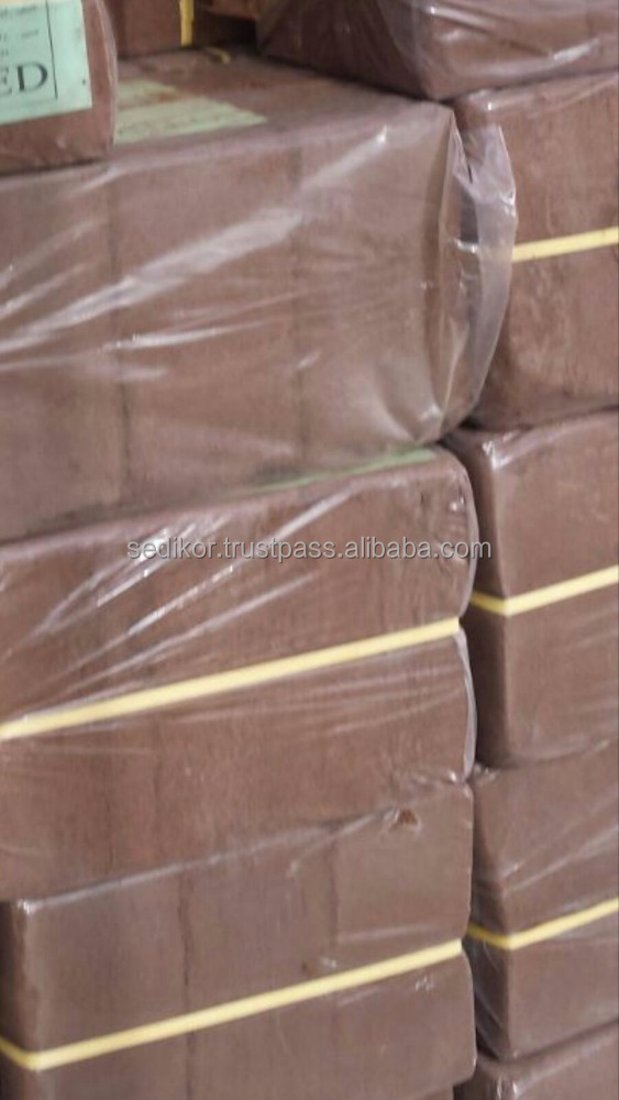 Coco peat blocks packed in 3 pieces and individual packs