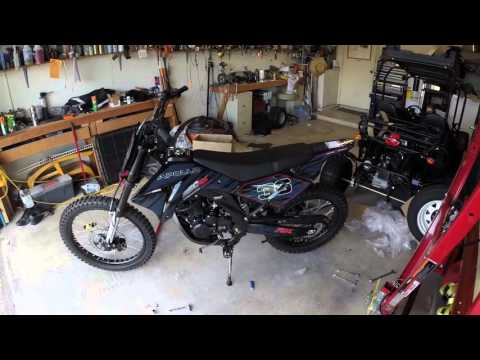Apollo 250cc Chinese Dirt Bike 250 Review Unboxing Assembly