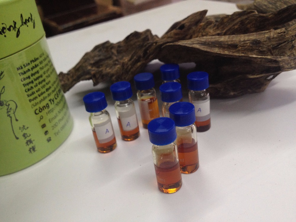 Essential oil made from a value wood of God - High quality Oud essential oil from Quang Nam Province, Vietnam