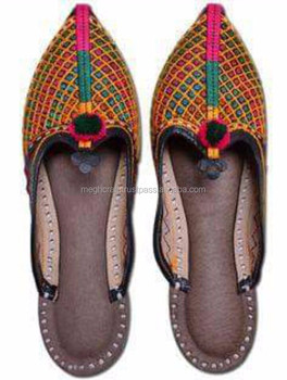 1dfdfc783c60 Indian Embroidery Work traditional Pakistani style khussa Shoes-Indian  woman Chappal Wholesale-handmade ethnic