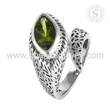 Eye Catching Green Peridot 925 Sterling Silver Ring Supplier Wholesale Silver Jewelry Gemstone Ring Jaipur
