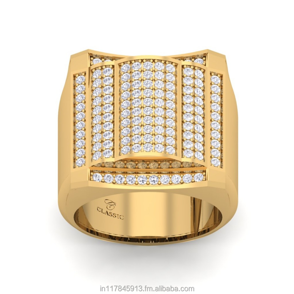 Diamond men's ring with 18 karat yellow gold in Pave setting