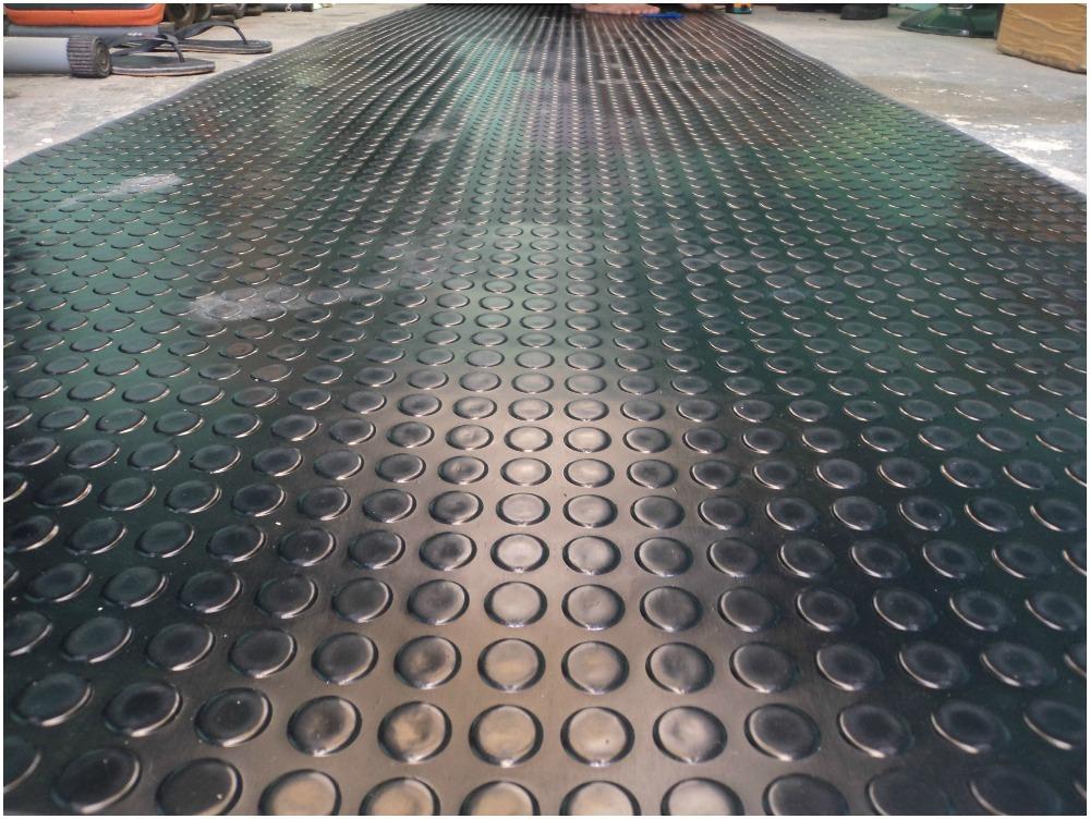 Round Stud Rubber Flooring Roll Type