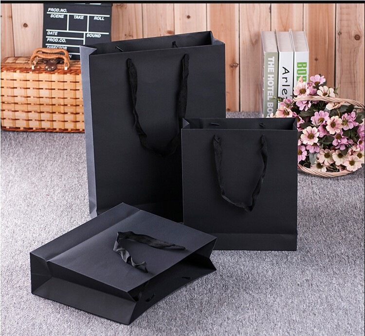 Apparel shopping bag gift packaging, kraft paper bags wholesale high-end shoe bag