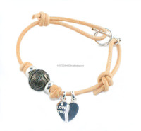 Engraved Tahitian pearl on leather bracelet
