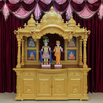 Superbe Swaminarayan Wooden Home Temple Design