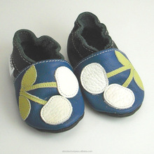 Soft sole baby shoes Leather chaussons Krabbelschuhe white cherry blue 0 6 m ebooba