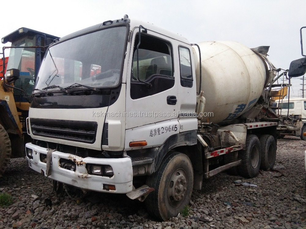 Isuzu cheap used portable truck 9cbm mixer for sale
