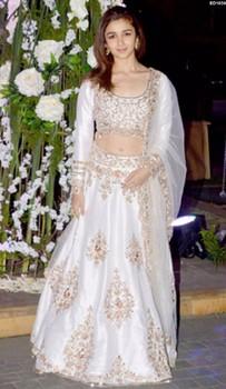 0e475f308a Asiatique Mariée Mariage Lehenga Choli Indien Mode Jupe Longue Fiançailles  ED1655