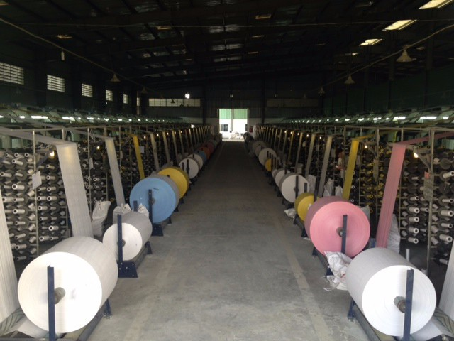 Polypropylene woven fabric roll white and color
