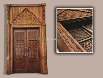 Porte In Legno Massello : Porte in legno massello porte in legno intagliato formato su
