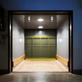 Benim için kargo asansörü