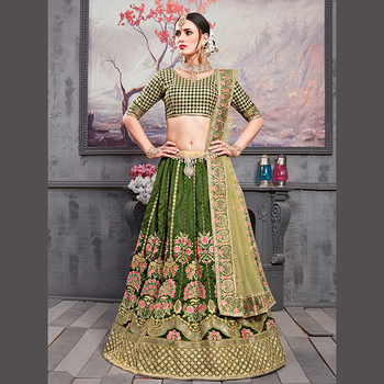 4e8376f656 Heavy Embroidery Work Wedding Wear Designer Lehenga Cholis Collection