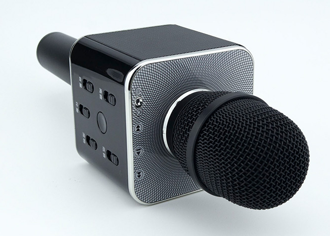 Q7 bluetooth player Karaoke microphone speaker