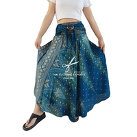 Peacock Print Long Skirt With Coconut Buckle