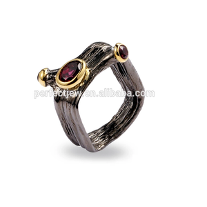 Retro Italy Garnet Stone Silver Ring Costume Jewelry Ring