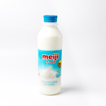 Singapore Best Selling Meiji Low Fat Milk 830ml