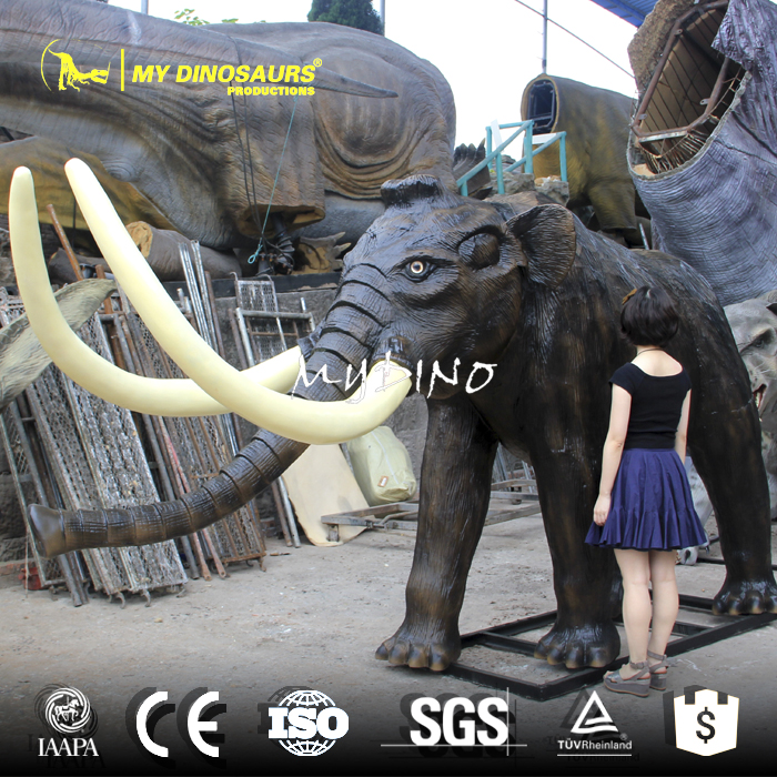 animals model mammoth 1.jpg