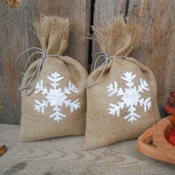 Weihnachtsgeschenke Sack.Eco Friendly Hot Products Großhandel Jute Santa Sack Weihnachtsgeschenk Taschen Buy Santa Hosen Geschenk Taschen Weihnachten Kordelzug Geschenk
